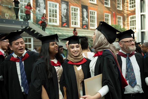 کالج مک دنیل مجارستان 2014 - 2013