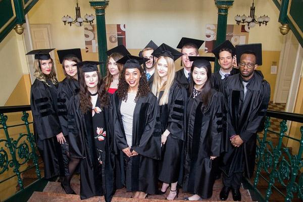 کالج مک دنیل مجارستان 2016 - 2015